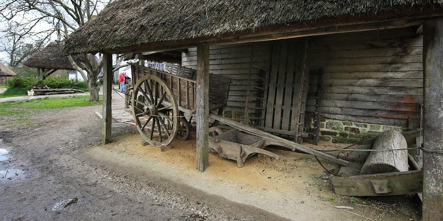 Cowfold barn 880 x 440