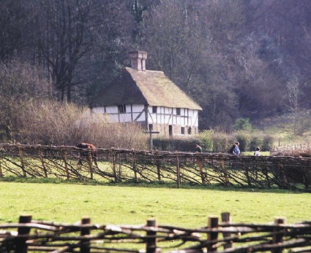 Pendean house from West Lavington, West sussex