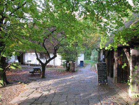 Das Café - ein Gebäude der 'Sole Street'
