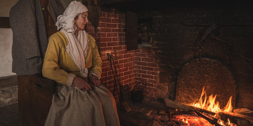 Weald & Downland Museum Pendeen historic clothing - Fearick Photography