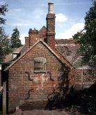 Newdigate bakehouse prior to dismantling in 1988