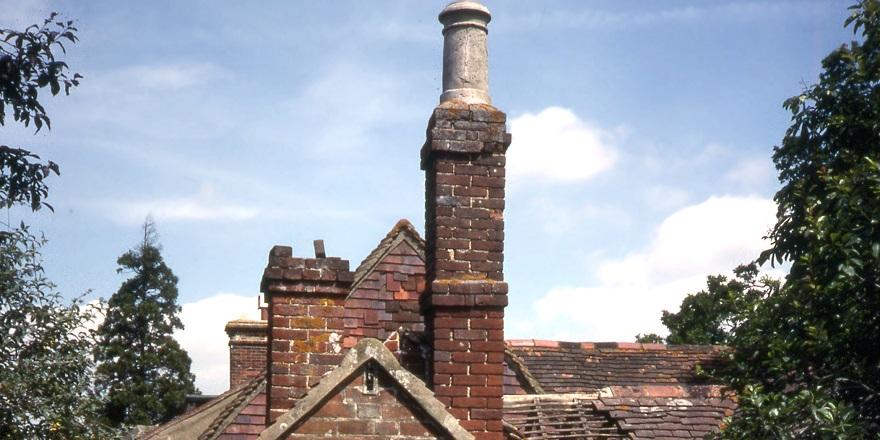 Newdigate bakehouse chimney 1988