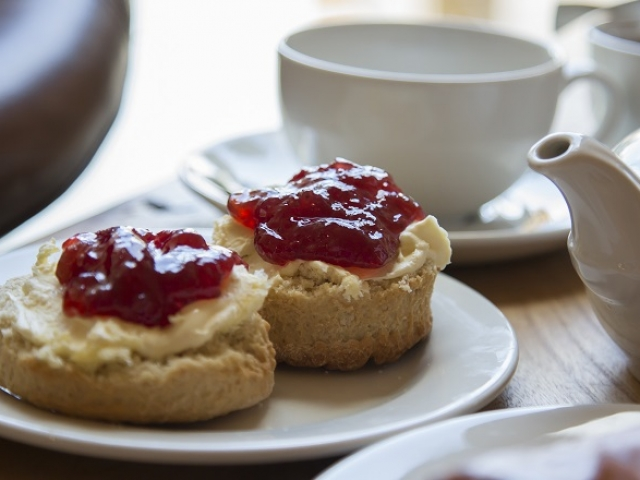 cream tea at the Wattle & Daub cafe