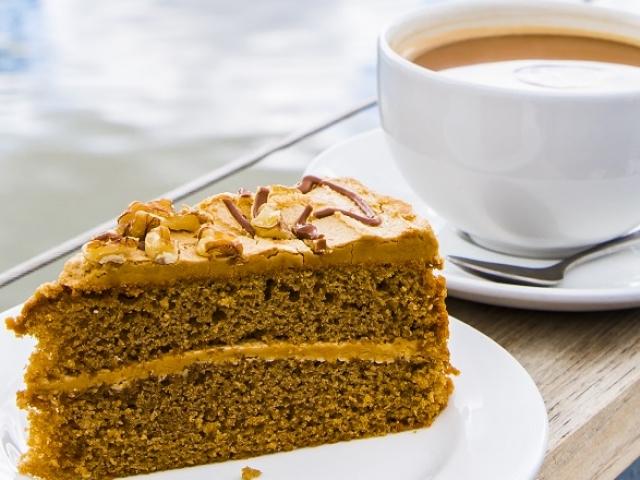 fresh cakes Wattle & Daub cafe