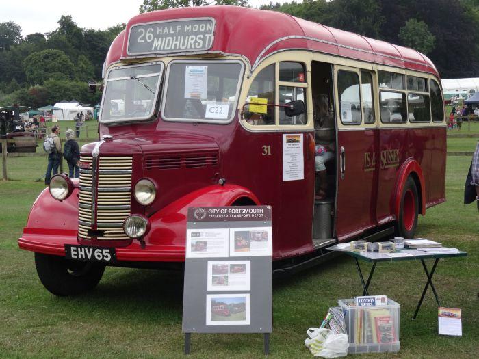Vintage Midhurst bus