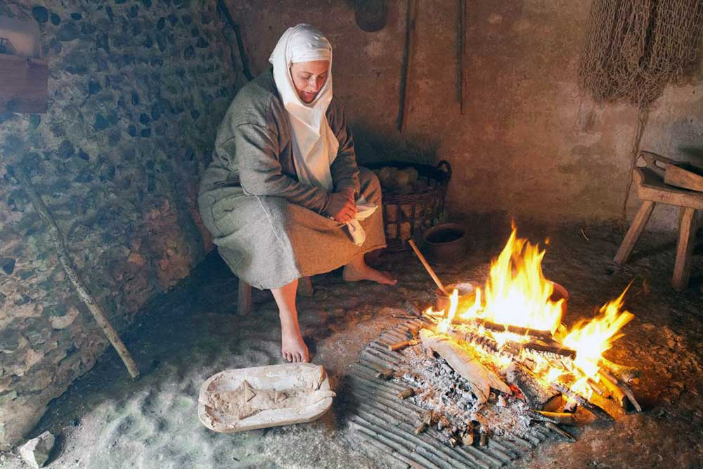 Cooking by fire in the Anglo-Saxon house