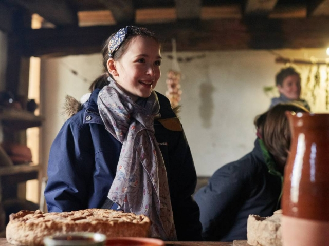 Weald & Downland Living Museum - explore the Tudor kitchen - Christmas 2016