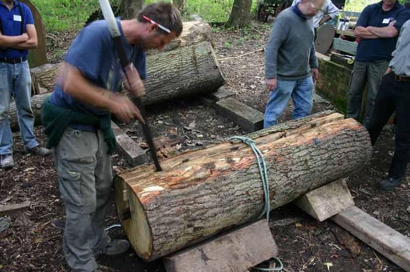 Saxon house construction: cleaving