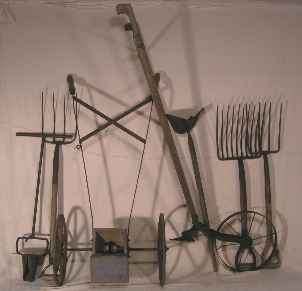 Gardening smallholding tools
