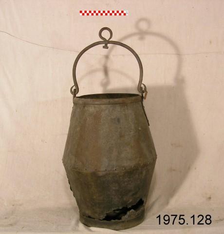Well fittings bucket