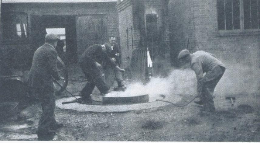 Wheelwrighting - tyring