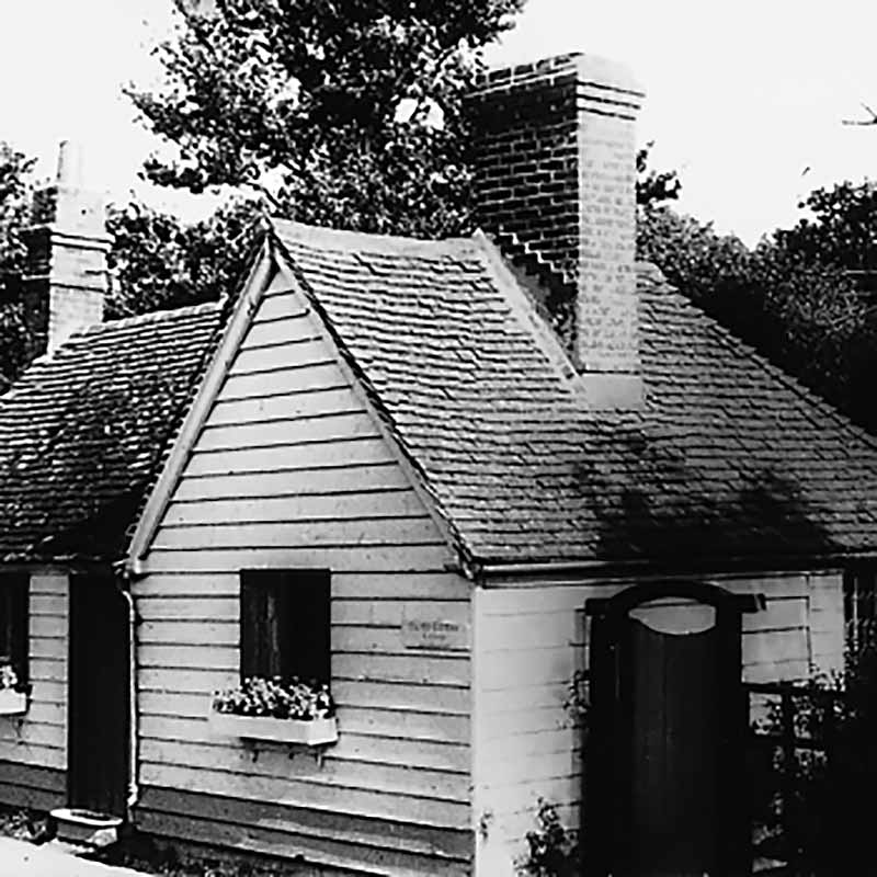Beeding Toll Cottage before being dismantled in 1968