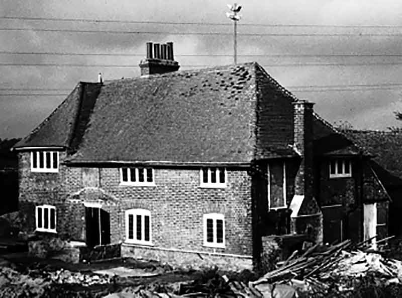 Longport Farmhouse before dismantling in 1992