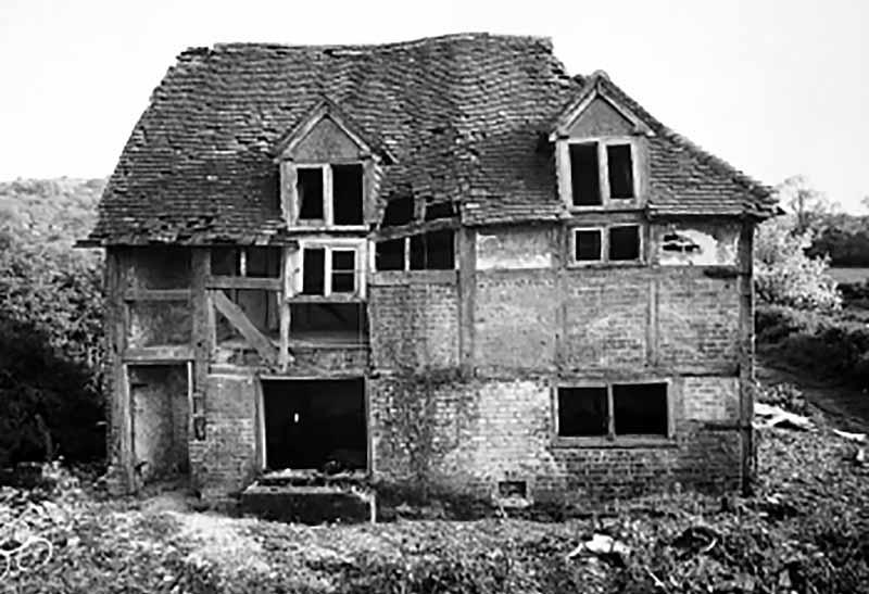 Poplar Cottage on its original site before dismantling in 1982