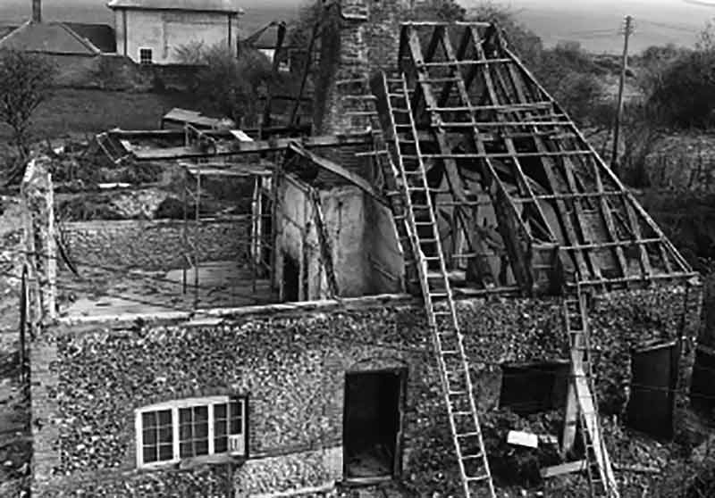 The house from Walderton during dismantling in 1980