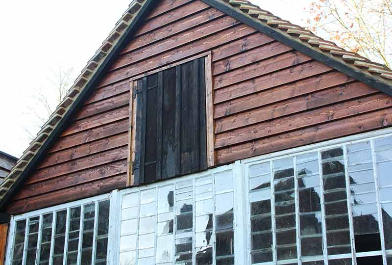 Carpenters shed gable opening