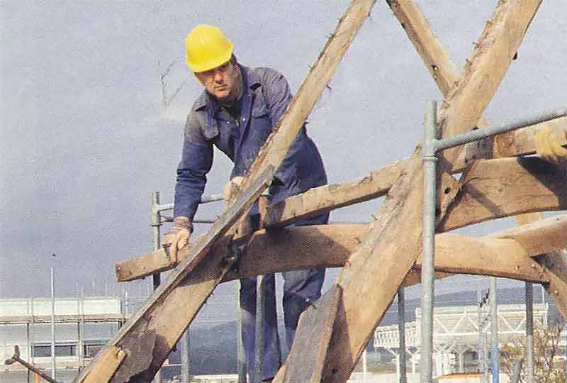 Dismantling the Longport timber roof