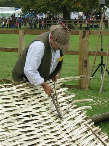Hurdle fence making