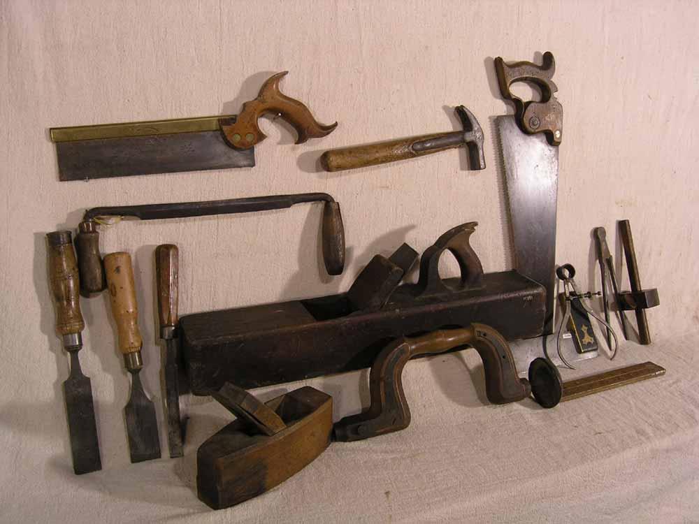 Woodworking artefact tools