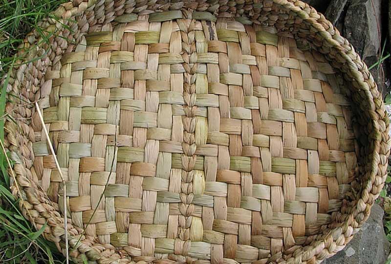 Weave a rush mat course